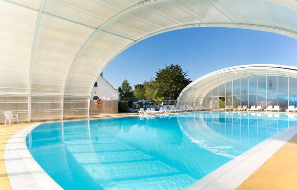 Camping bretagne avec piscine couverte camping avec piscine chauff e en finist re - Camping en bretagne avec piscine ...